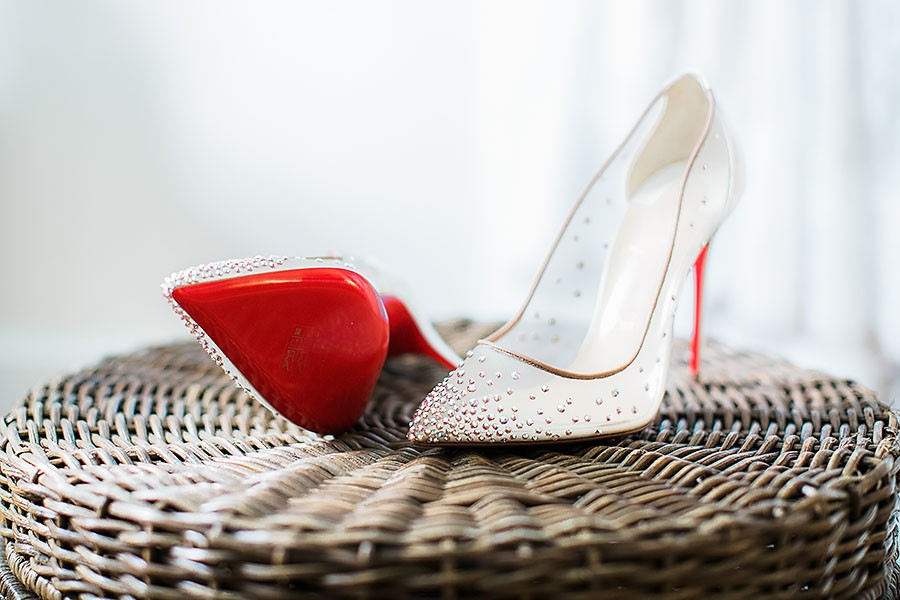 eric boneske photography, wedding photographer, North Carolina, bald head island, wedding, summer, white heels, love, happiness, fancy, bald head island club, coastal,