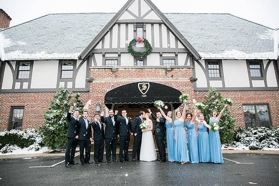 eric boneske photography, snowy wedding, groom, bride, groomsman, bridesmaids, maid of honor, best man, excited, groom kissing bride, winter, sedge field country club, wedding,