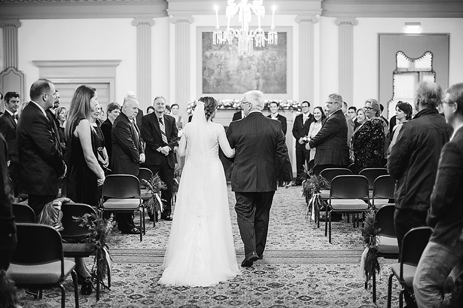 eric boneske photography, destination wedding photographer, bride, father, walking down isle, wedding ceremony, friends, family,