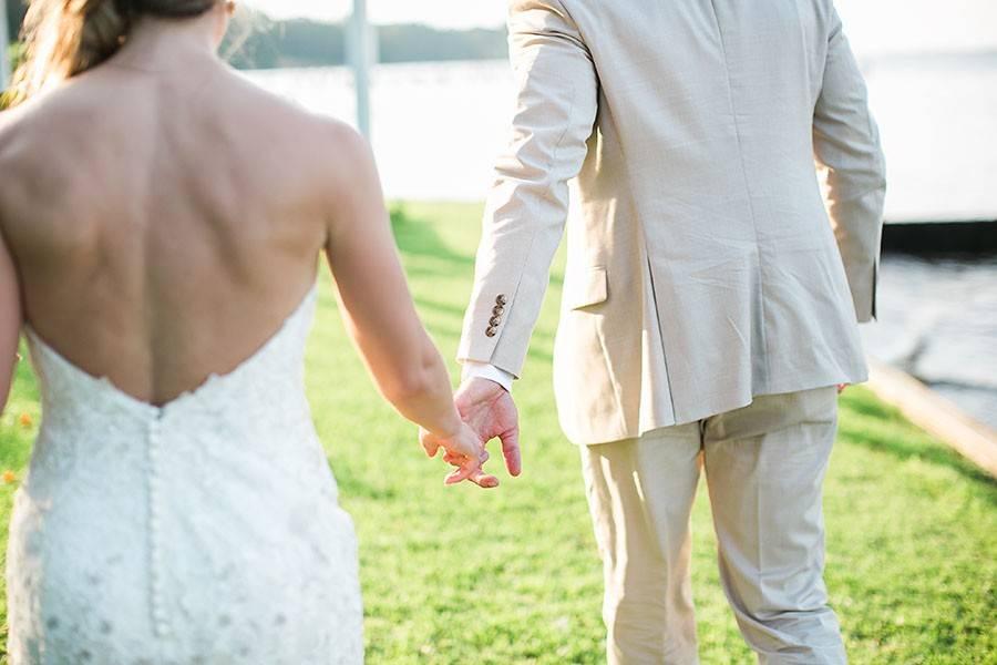 eric boneske photography, wedding photographer, abilena plantation, wedding venue, James city, North Carolina, marriage, wedding day,